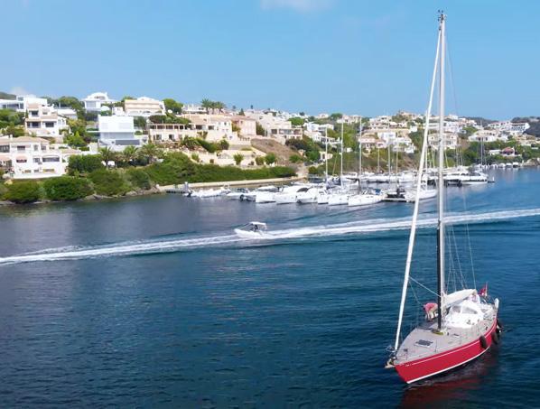 Exclusivo chalet de lujo en primera línea de Menorca