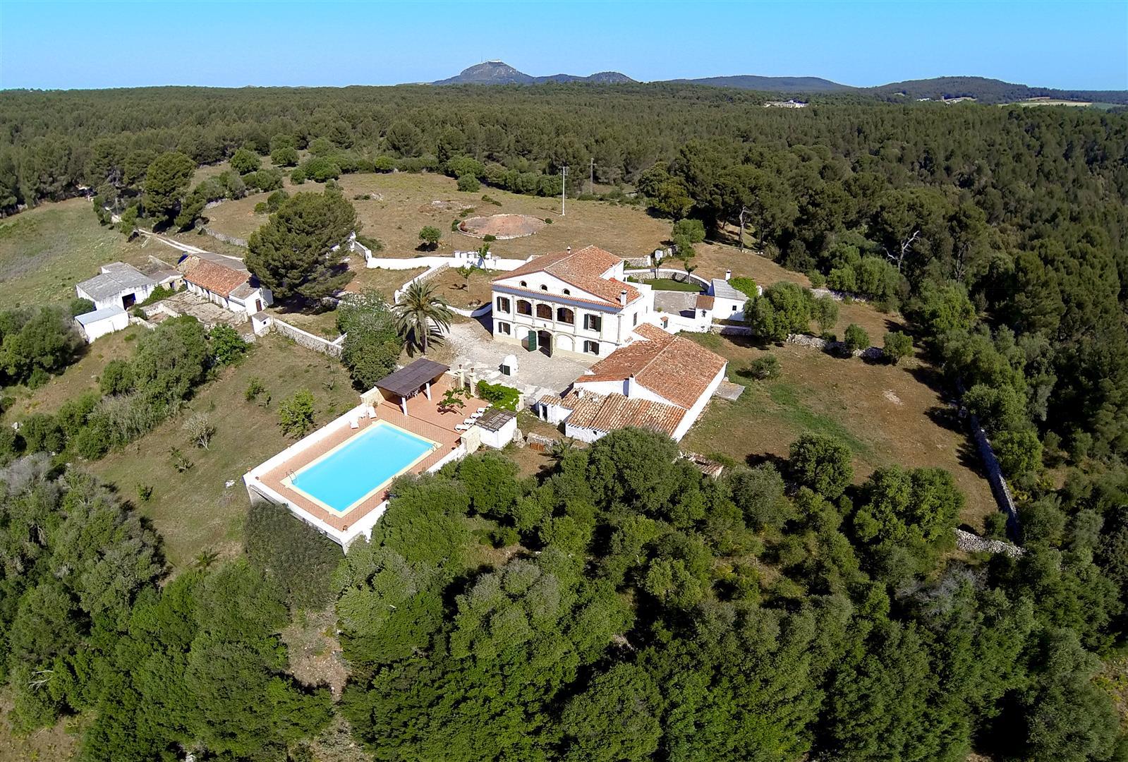 Lujo en Menorca entre bosques y prados