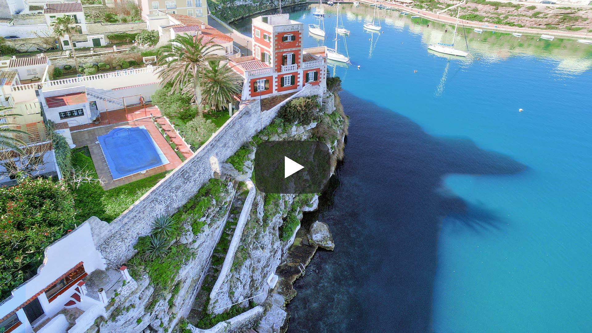 Casa histórica al borde del mar en Menorca